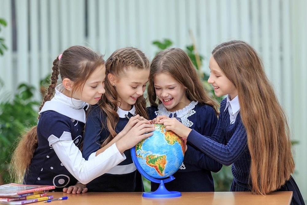 Школьники в школу картинки